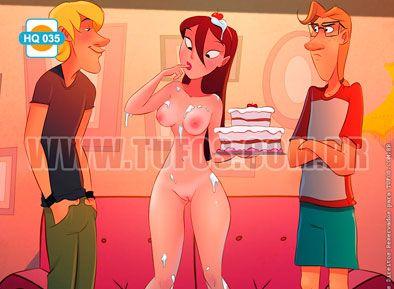 Tomando um bolo do namorado